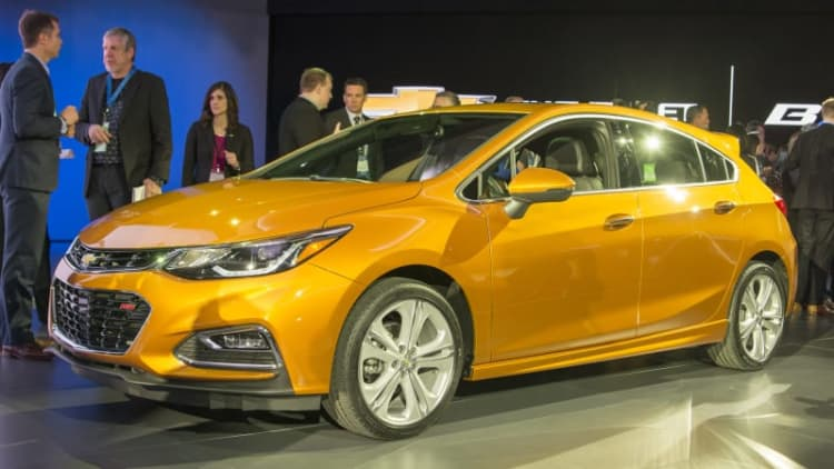 2017 Chevy Cruze Hatchback updated with utility and style