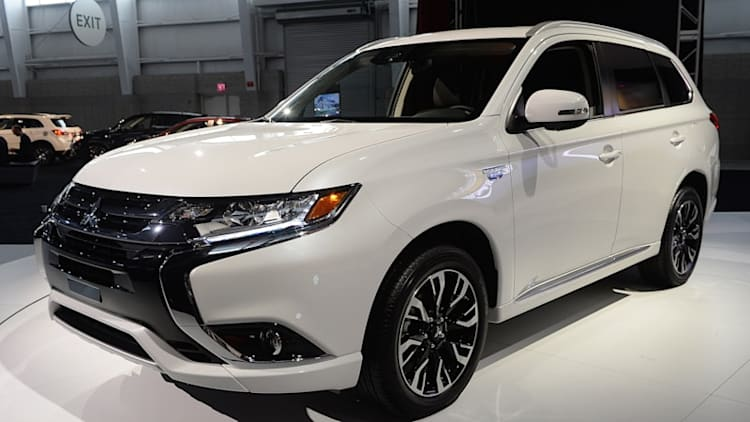 Mitsubishi delays Outlander PHEV yet again for the US