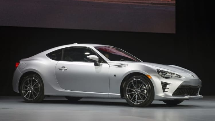 2017 Toyota 86 brings new name and fresh face to New York