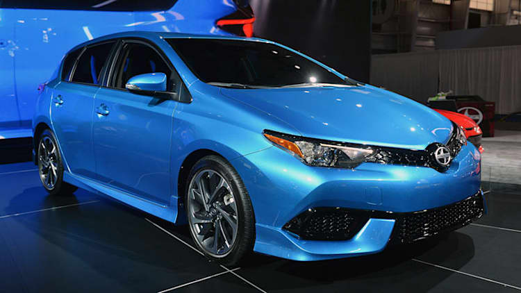 2016 Scion iM shows some sharp styling from a frugal five-door [w/video]