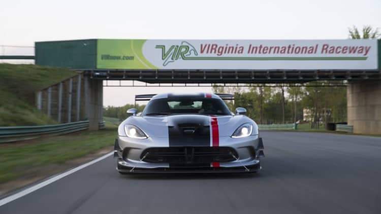 2016 Dodge Viper ACR racks up lap records