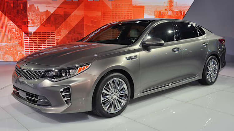 2016 Kia Optima builds on third-gen car's sense of style, efficiency