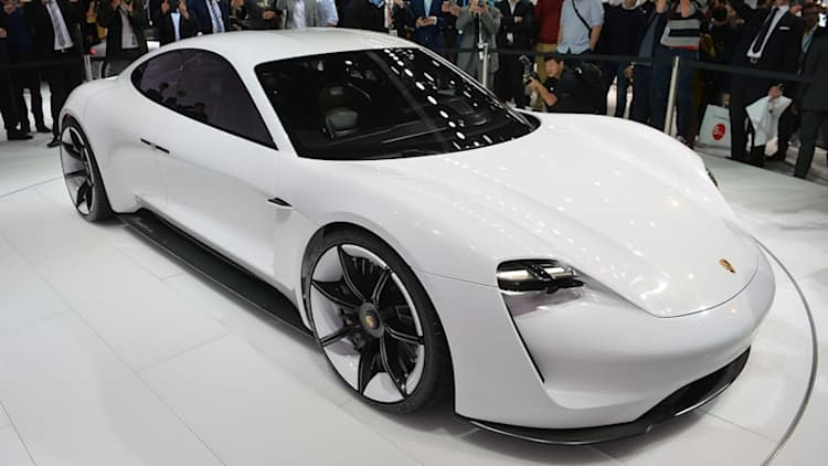 Porsche needs more people for Mission E