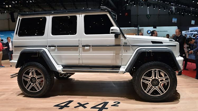 Mercedes-Benz G500 4x4 is a 6x6-2 [w/video]