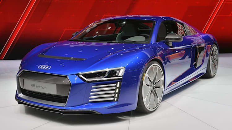 2016 Audi R8 E-Tron packs 456 hp and goes on sale this year