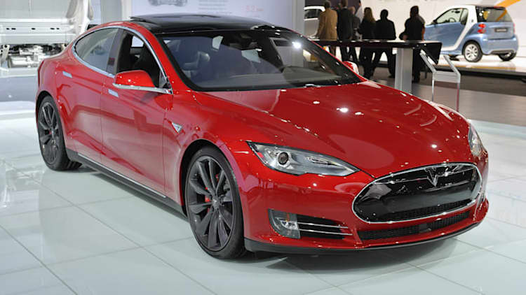 AAA ranks Tesla Model S P85D best green car of 2015, Versa is best value