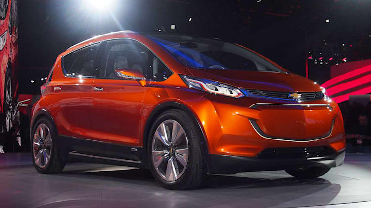 Chevy Bolt EV with 200-mile range to debut at CES