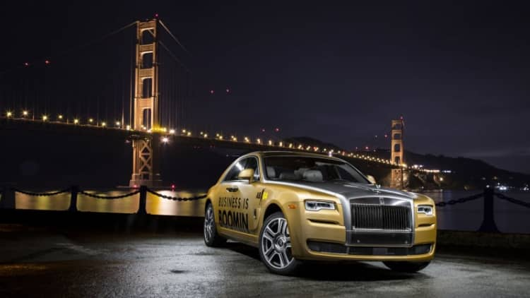 Rolls-Royce wrapped a Ghost in gold for Antonio Brown's Super Bowl use