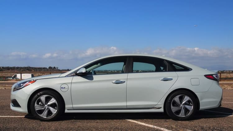 Hyundai Sonata PHEV may be a game (and mind) changer