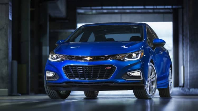 Chevy prices new 2016 Cruze from $17,495