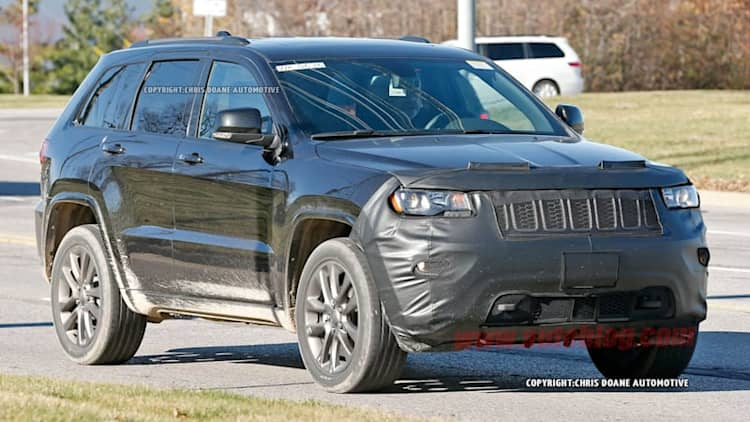 2017 Jeep Grand Cherokee spied looking refreshed