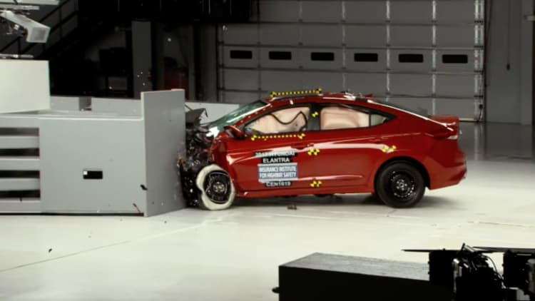Hyundai Elantra snags IIHS Top Safety Pick+