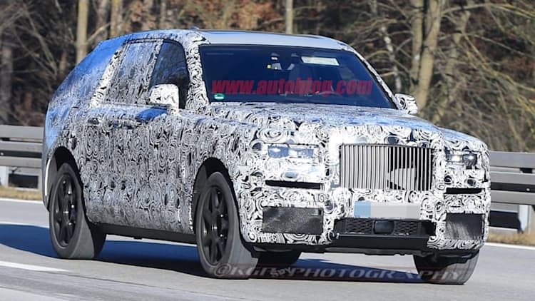 Rolls-Royce Cullinan SUV reveals its rear to the cameras