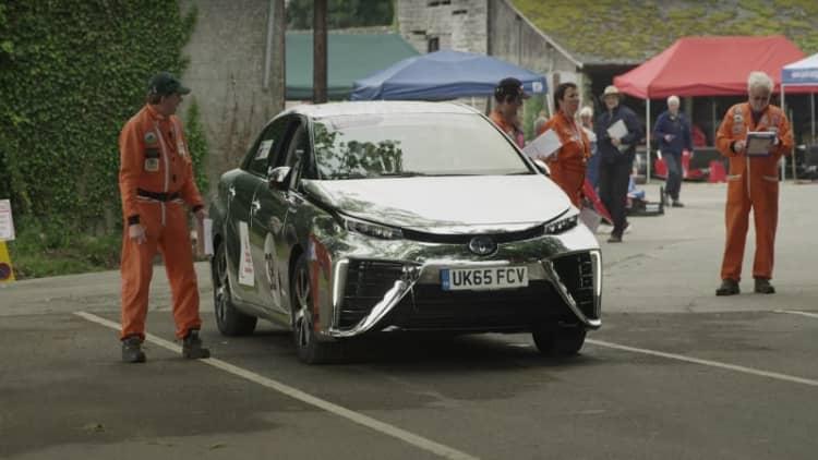 Toyota takes chrome Mirai to Gurston Down Speed Hill Climb