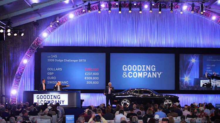 Jay Leno's Dodge Challenger raises $585k for USO in Scottsdale