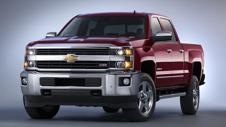 Chevy updates Silverado HD with new towing equipment