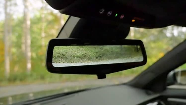 Cadillac Rear Camera Mirror | 2017 Autoblog Technology of the Year Finalist