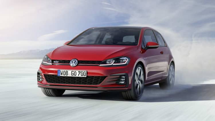 Volkswagen reveals the refreshed 2018 Golf