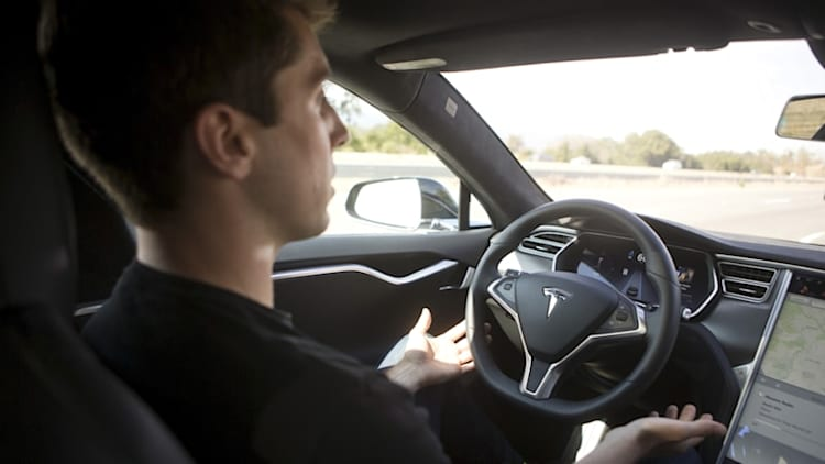 Tesla AutoPilot crash hasn't hurt perception of self-driving cars