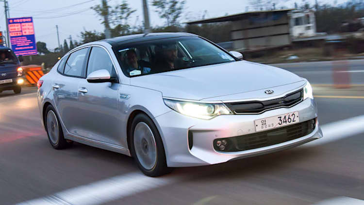 Kia Optima Hybrid and Plug-In detailed ahead of launch