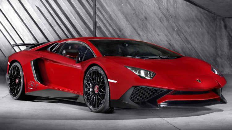 Lamborghini Aventador SV gets more, less weight [w/video]