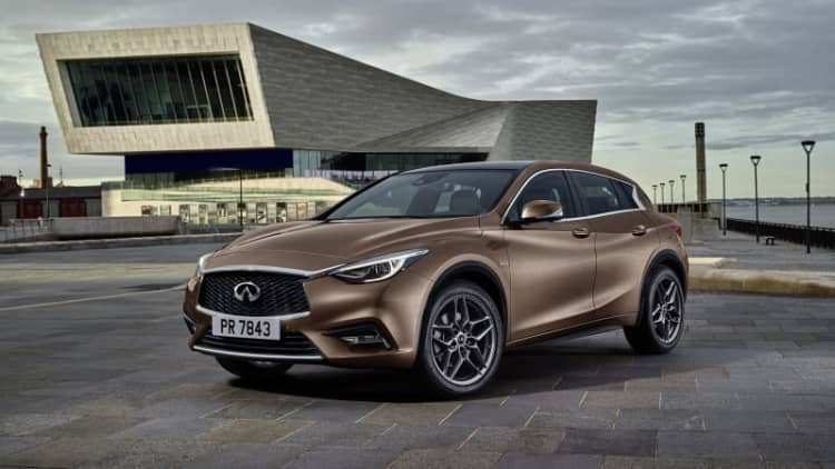 Infiniti Q30 goes full monty before Frankfurt