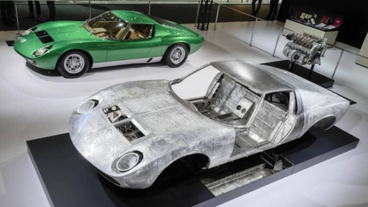 Lamborghini Miura, Porsche 911 highlight Techno Classica