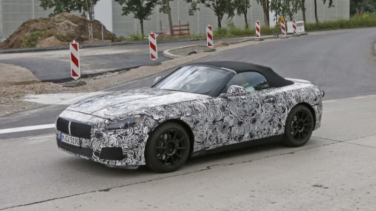 2019 BMW Z5 shows off its soft top