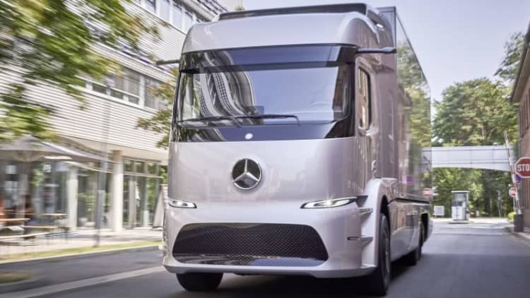 Mercedes-Benz is letting 20 customers drive an electric semi truck for a year