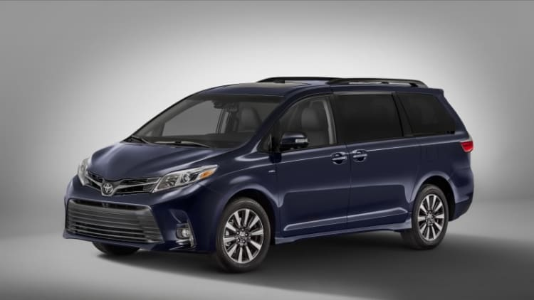 2018 Toyota Sienna gets a mild facelift for New York show
