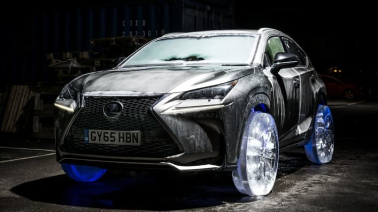 Lexus NX rolls on wheels made of ice