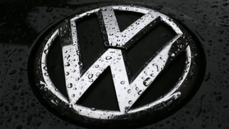VW suspends sales in South Korea ahead of government meeting