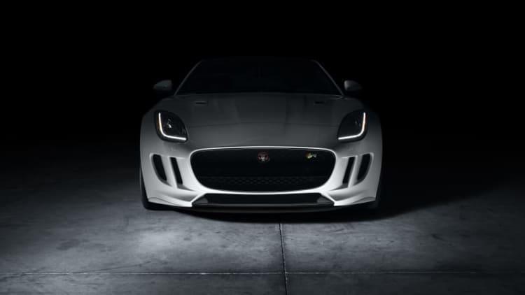 2017 Jaguar F-Type slashes $3,600 off base model