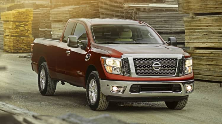 Nissan completes the Titan lineup with the 2017 King Cab