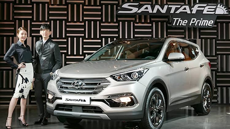 Hyundai Sante Fe reveals its refreshed face in South Korea