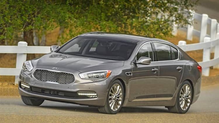 2016 Kia K900 introduces new 3.8-liter V6 base model