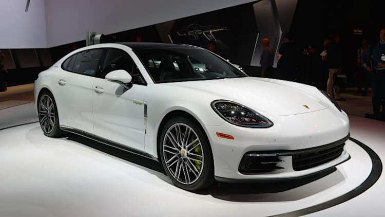 Porsche Panamera lineup now includes long-wheelbase models and a new base V6