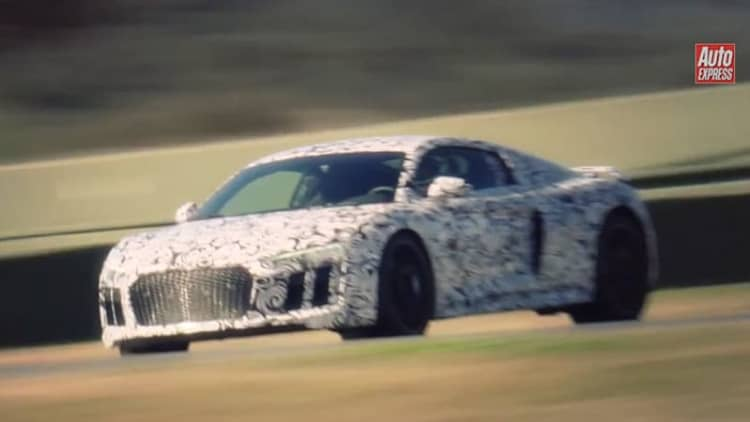 Auto Express gets close-up look at the 2016 Audi R8