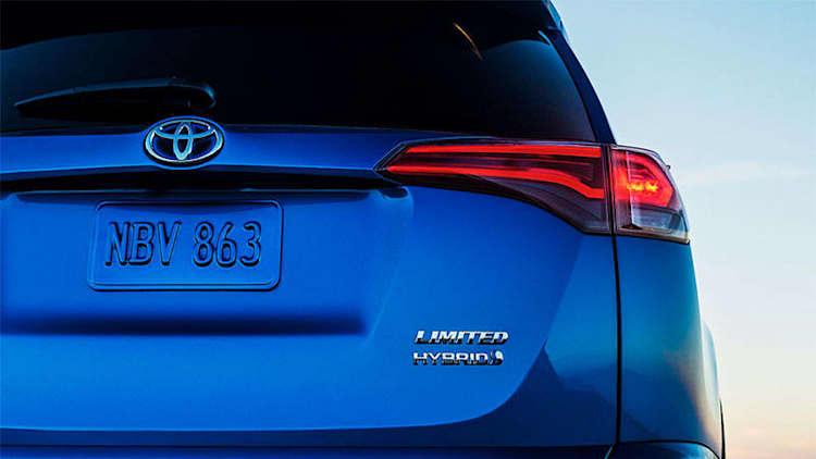 Toyota, Lexus will offer low-cost automated braking system