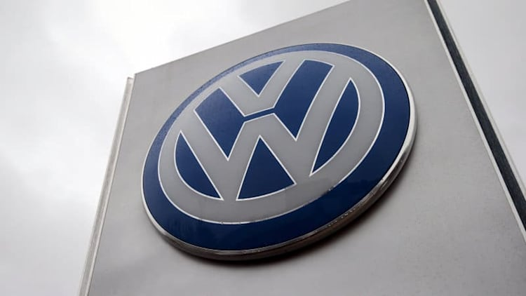 What scandal? VW tops Toyota as world's largest automaker