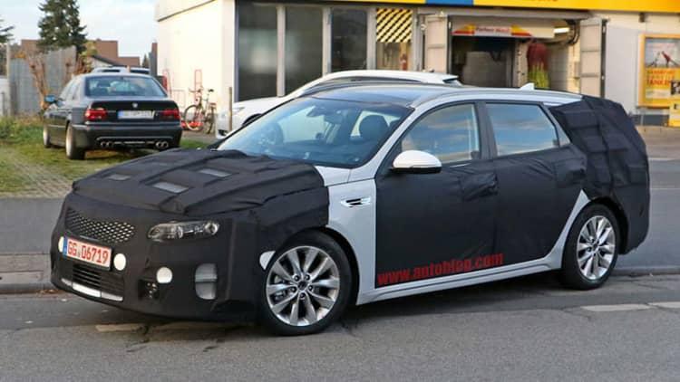 Kia Optima Sportwagon spied before Geneva