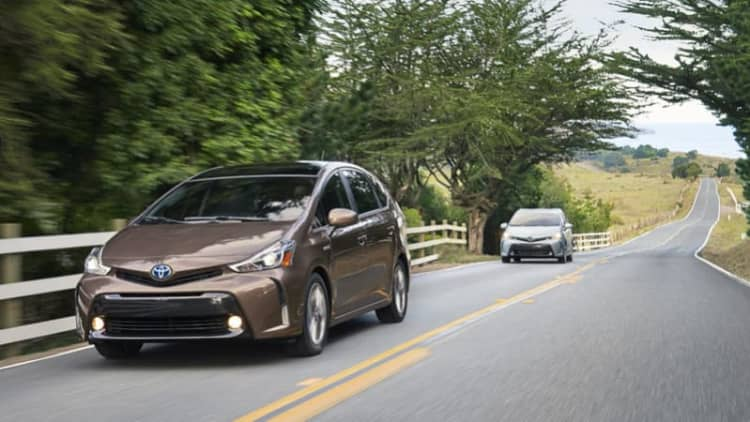 5,000 Toyota Prius V models recalled due to airbag issue