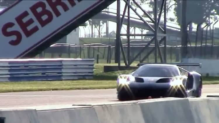 Ford GT racer sounds wicked during testing at Sebring