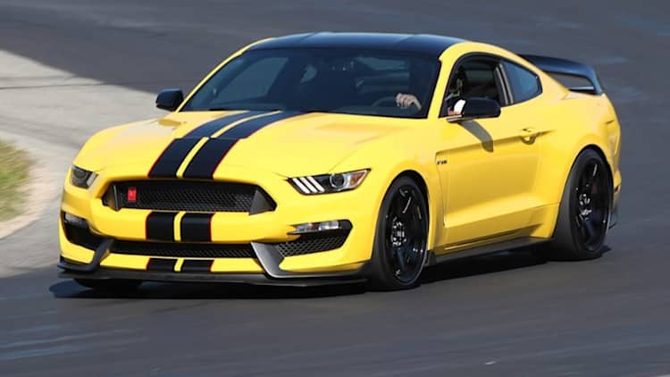 2016 Ford Shelby Mustang GT350R First Ride