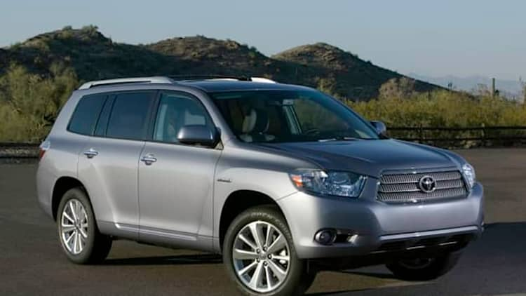 Toyota and Lexus recalling 235,000 hybrid CUVs and sedans over separate issues