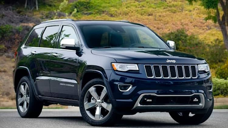 Chrysler recalling 31k SUVs and vans