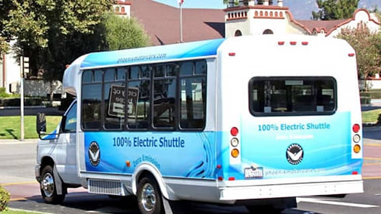 Phoenix Motorcars working on 14-passenger electric bus