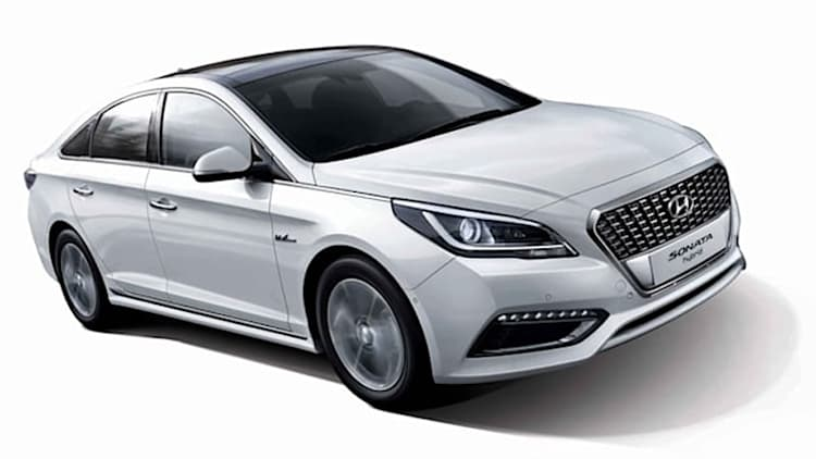 Hyundai reveals new Sonata Hybrid in Seoul