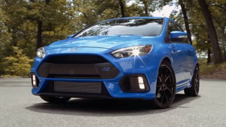 We take a ride in the 2016 Ford Focus RS