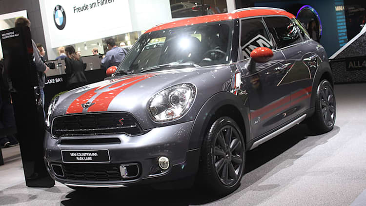 Mini Countryman Park Lane looks classy in Earl Grey